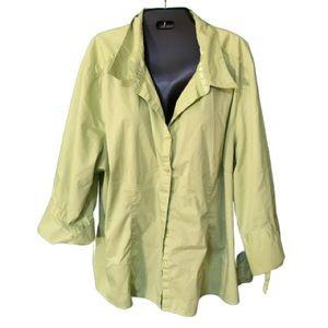 Plus size pale green button down shirt in 26w 28w